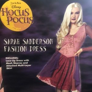 Sarah Sanderson costume & assessories